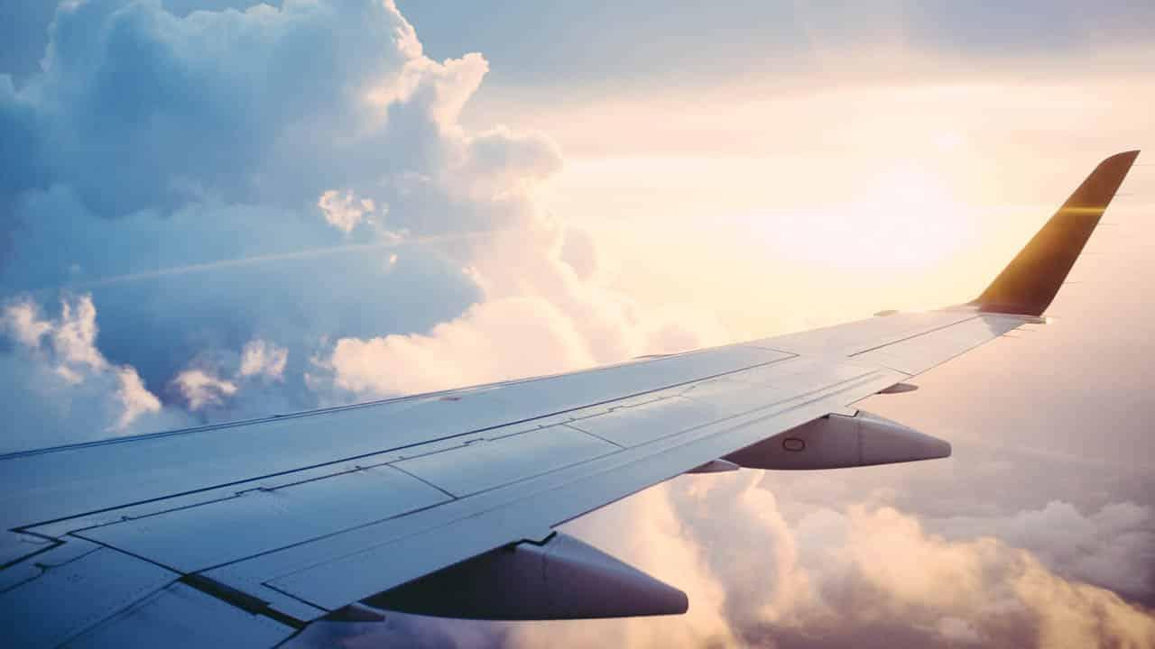 occuper des enfants dans l'avion